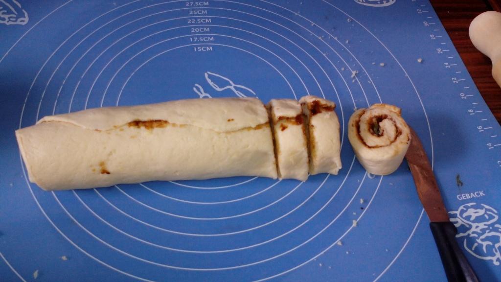 made some vegemite and cheese scrolls yum!
